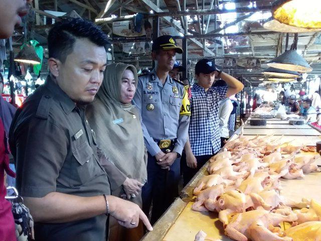 Jelang Ramadhan, Dinas koperasi, UKM, dan Perdagangan Gelar Monitoring Harga Sembako di Pasar Rawa Indah