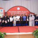 Wakil Wali Kota Menghadiri Pelepasan Siswa Kelas XII dan Pengambilan Sumpah Asisten Tenaga Kesehatan SMK Negeri 1 Kota Bontang